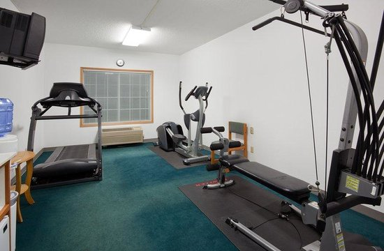 Country Inn & Suites By Carlson, Detroit Lakes: CountryInn&Suites DetroitLakes  FitnessRoom