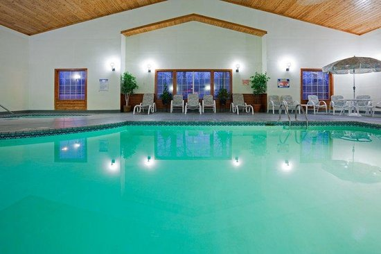 Country Inn & Suites By Carlson, Detroit Lakes : CountryInn&Suites DetroitLakes  Pool