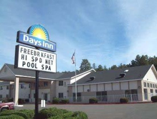 Welcome To The Days Inn Williams