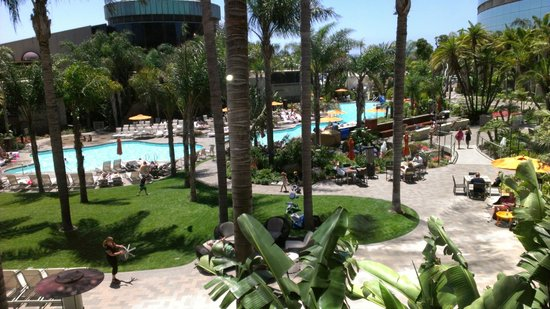 Marriott Marquis San Diego Marina:                   Pool