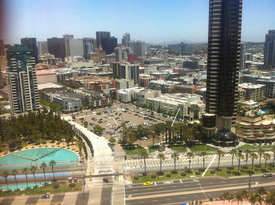 San Diego Marriott Marquis & Marina:                   View from the lift area