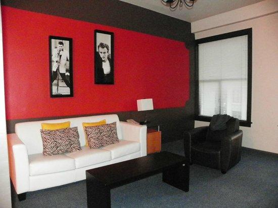 Moore Hotel:                   room 524