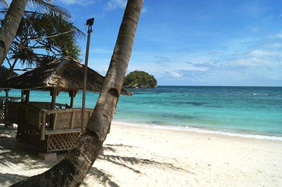 โซมี่รีสอร์ท:                   the private beach