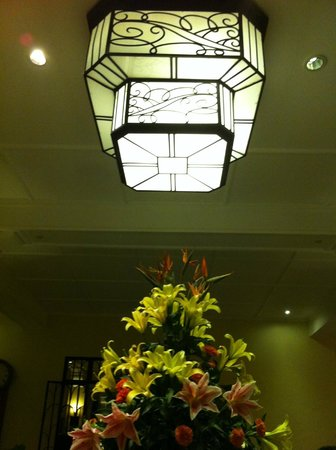 Raffles Grand Hotel d'Angkor:                   Lobby