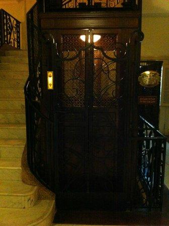 Raffles Grand Hotel d'Angkor:                   A classic OTIS elevator