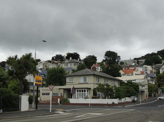 Kiwis Nest: まわりは住宅街