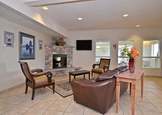 Quality Inn and Suites, Sequim: Lobby
