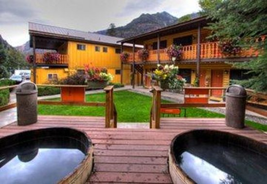 Box Canyon Lodge & Hot Springs: Exterior Tubs
