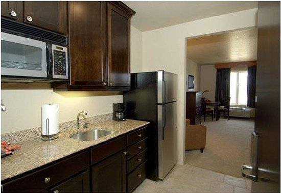 Comfort Inn Crystal Bridges -- Bentonville: Guest Room Kitchen