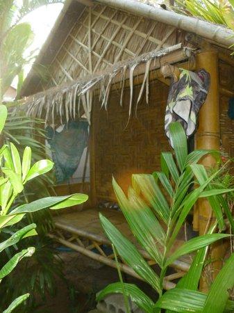 Ruan Mai Naiyang Beach: Beach hut