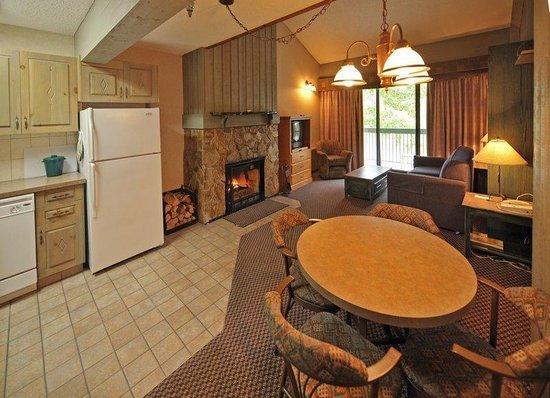 Douglas Fir Resort & Chalets : Guest Room