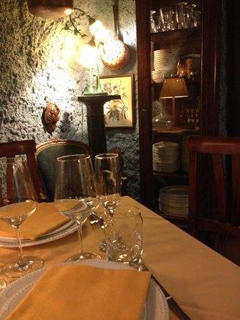 """Al Cantuccio: """"il grottino"""" una mini sala praticamente privata."""
