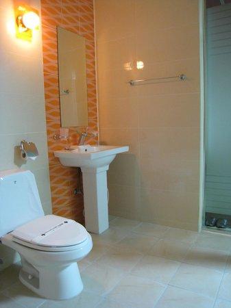Hill House Hotel: Bathroom