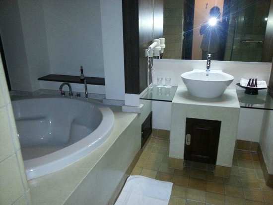 Bodhi Serene Hotel:                                     salle de bains