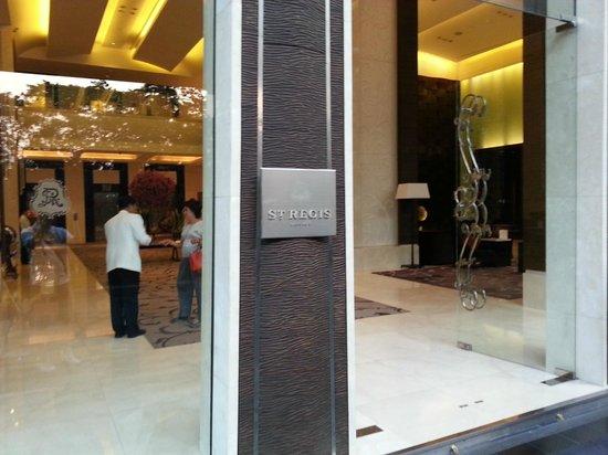 The St. Regis Bangkok: Main Entrance