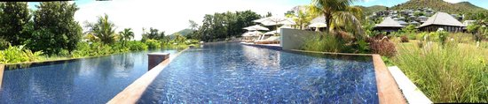 Raffles Seychelles: The main swimming pool