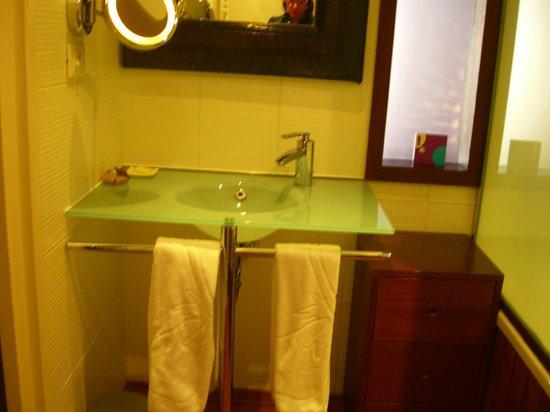 3.14 Hotel: bagno