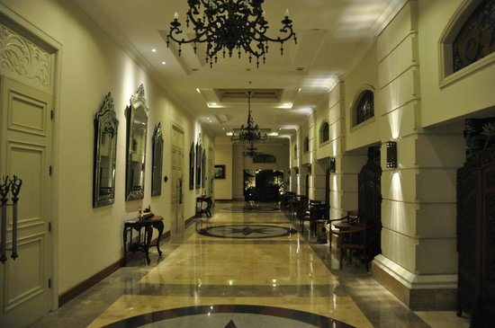 The Phoenix Hotel Yogyakarta - MGallery Collection: hallway