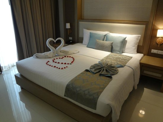 The ASHLEE Plaza Patong Hotel & Spa: Welcome Bed