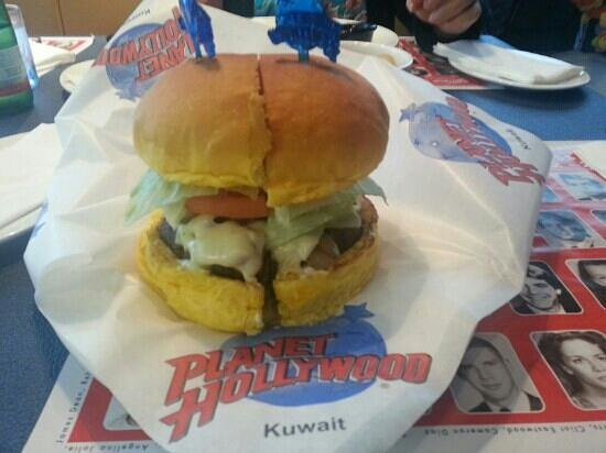 Planet Hollywood: Burgerlicious is all I have to say !!!