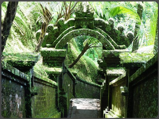 COMO Shambhala Estate, Bali:                   the resorts many stone creations