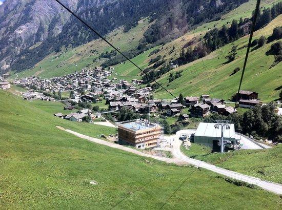 Hotel Rovanada:                   View from Vals gondolas