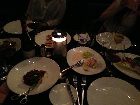 Rockpool Bar & Grill:                   all looks no substance