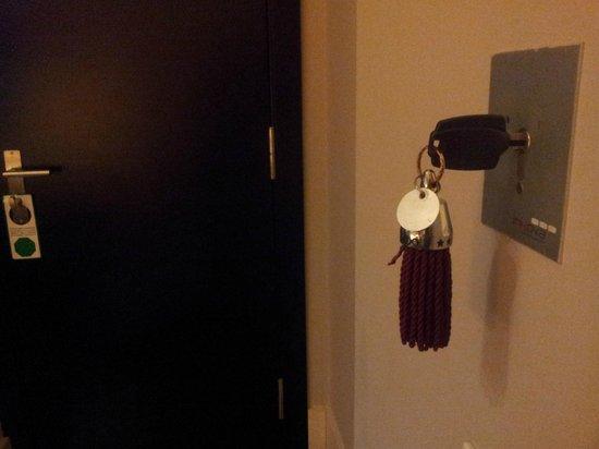 Condado Hotel Barcelona:                   room key