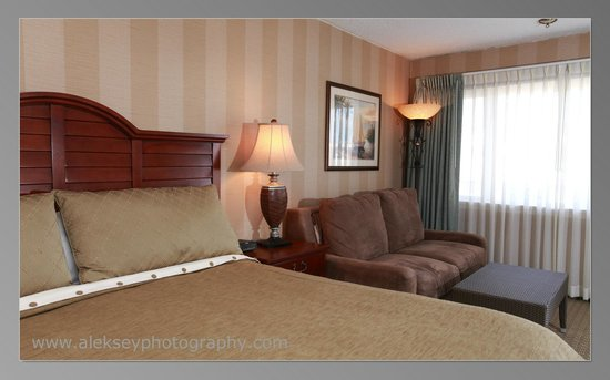 The Grand Hotel : Recently renovated guestrooms, there's many choices in room types and amenities available