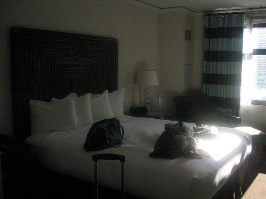 Kimpton Solamar Hotel:                   Bed