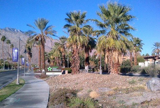 Extended Stay America - Palm Springs - Airport: View from Tahquitz Canyon Road, driveway on right