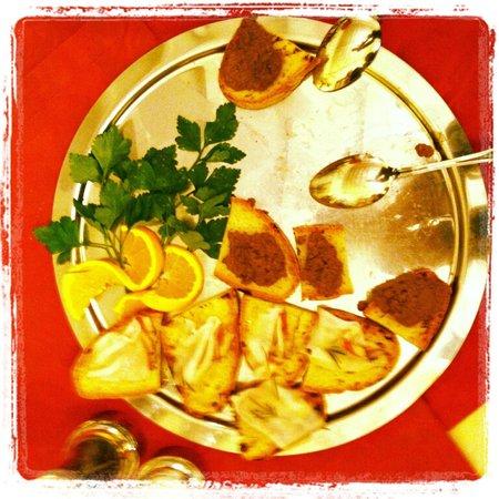 هوتل سان لينو:                   toscan crostini                 