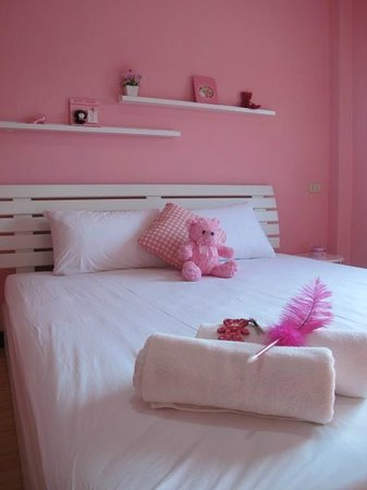 I Lub U Guesthouse: Sweet Dream Pink Room