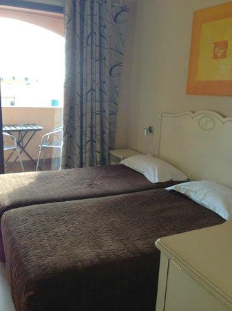 Hotel Restaurant Le Napoleon:                   notre chambre, la 209