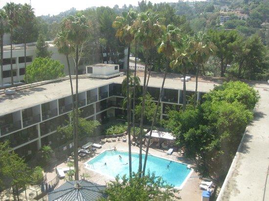 Sheraton Universal Hotel:                   Nice pool area