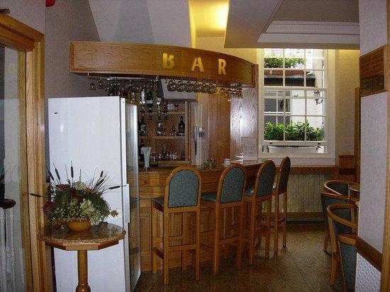 Nayland Hotel: Bar