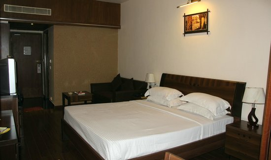 Hotel Malligi:                   ROOM INTERIOR