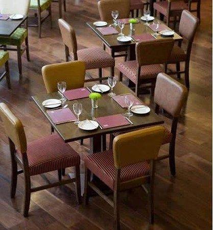 Jurys Inn Belfast: Dining