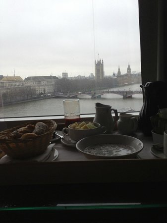 Park Plaza Riverbank London:                   breakfast with view