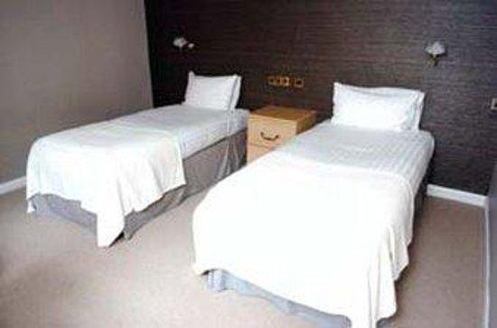 Donington Manor Hotel: DMHCourtyard Twin