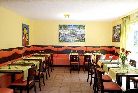 Arcantis Hotel Hexagone Arc-en-Ciel : Restaurant