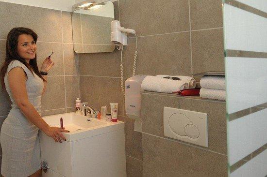 Hotel de la Baie: Bathroom