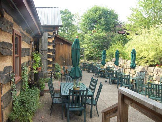 The Inn & Spa at Cedar Falls:                   outside eating area
