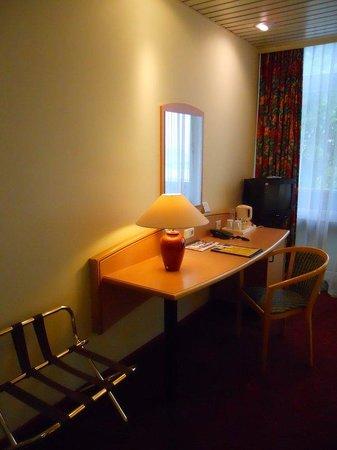Tulip Inn Maastricht Aachen Airport: Guest room