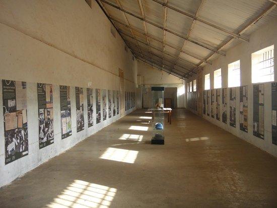 Konzentrationslager Colonia Penal de Tarrafal:                   Interior de um dos galpões do Campo de Concentração do Tarrafal