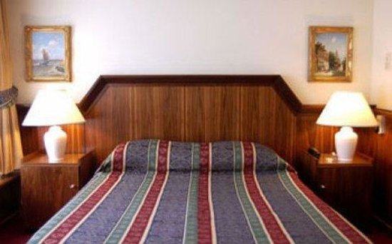 Rembrandtplein Hotel: Guest Room