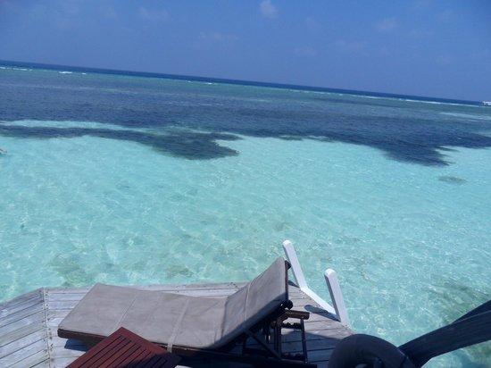 Kuredu Island Resort & Spa:                   sur la terrasse