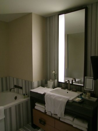 The Dominick Hotel:                                     Bathroom of Room 3902