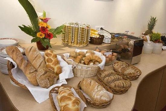 Hotel Rochat: Breakfast