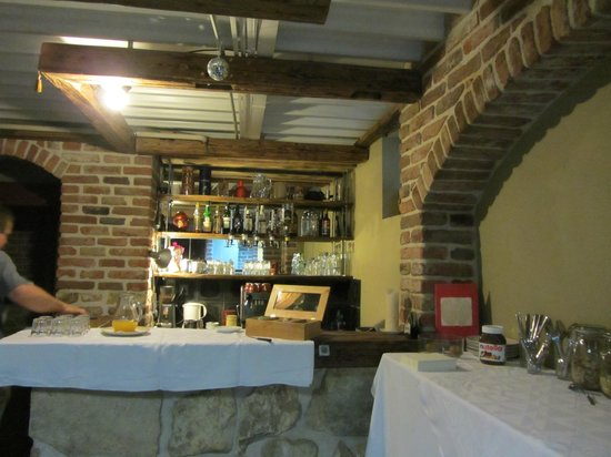 Family Lorenz & Coffee House:                   Обеденный зал